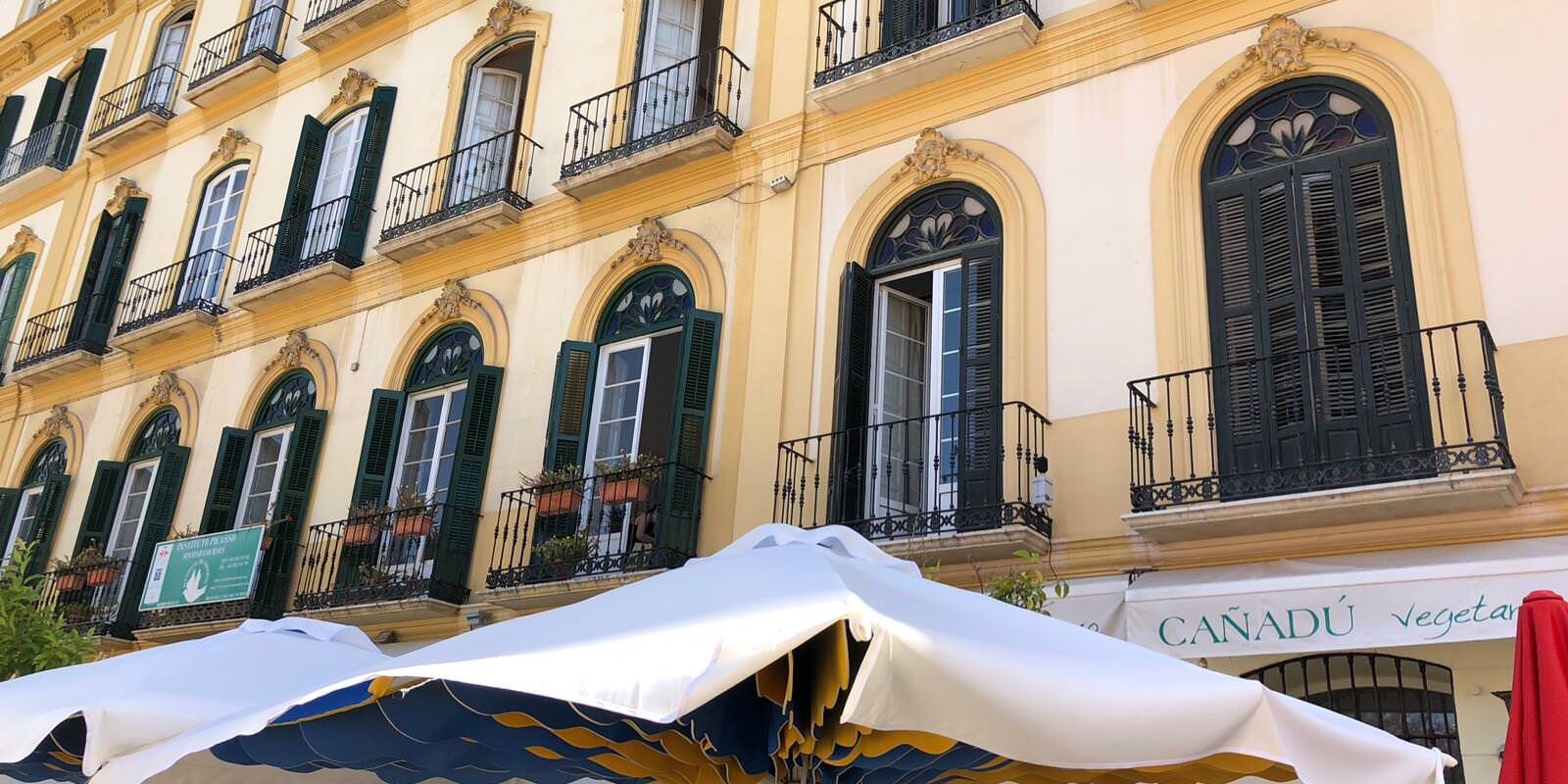 Absorbrella Sombrilla Acustica Para Terrazas De Cafeterías